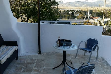 Traditional Apartment in the East side of Crete - Kaminaki