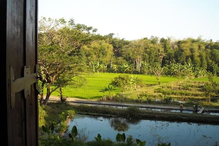 Alamkita Homestay: Fluss-Reisfelder - Villa