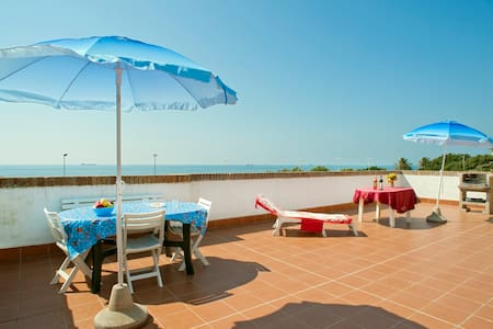 House with terrace 60sqm on the sea