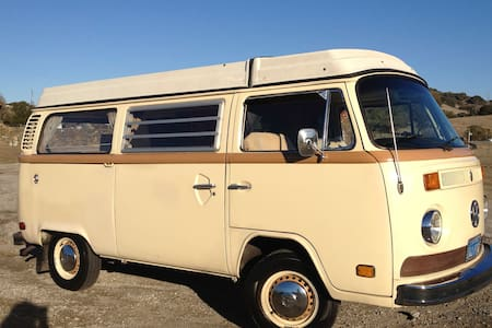 1976 VW Bus. Sleep where you want! - Lucerne - Camper/RV