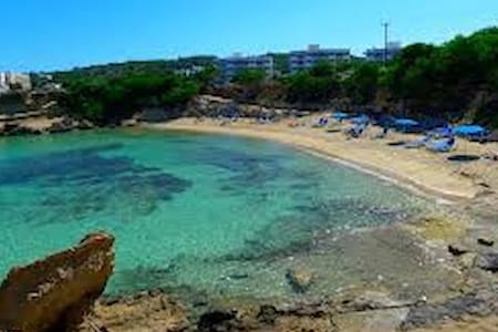 PROTARAS Beach House - GREEN BAY -CAVO MARIS BEACH - 一軒家