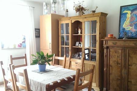 Private flat near central Munich - Huoneisto