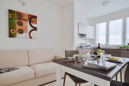 BELISARIO 3-Zi.-Apartment mit Schwimmbad - Wohnung