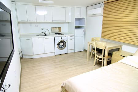 Quiet Private Room&Best Location_Sang-ji House - Gwangjin-gu - Huis