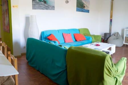 Your surf camp in Pantin!! - Pantín (Valdoviño)