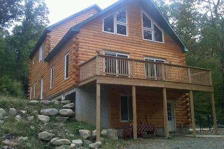 Magical Log Chalet and Sauna - 15p  - Hus
