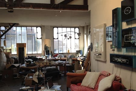 Large Sunny Artist Studio - Montreuil