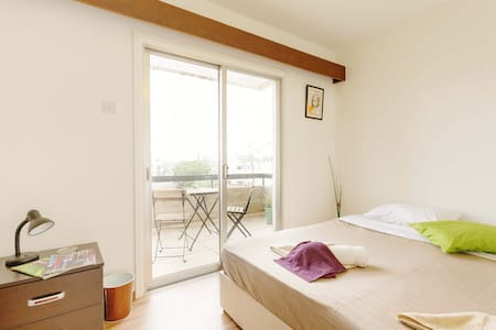 Double Room with Balcony - 公寓