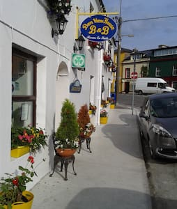 Ben View Guesthouse, Bed & B'fast - Clifden