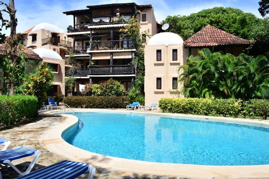 Quaint & Cosy Beach Apartment VA-23
