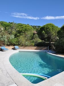 Villa vue mer proche Saint Tropez - House