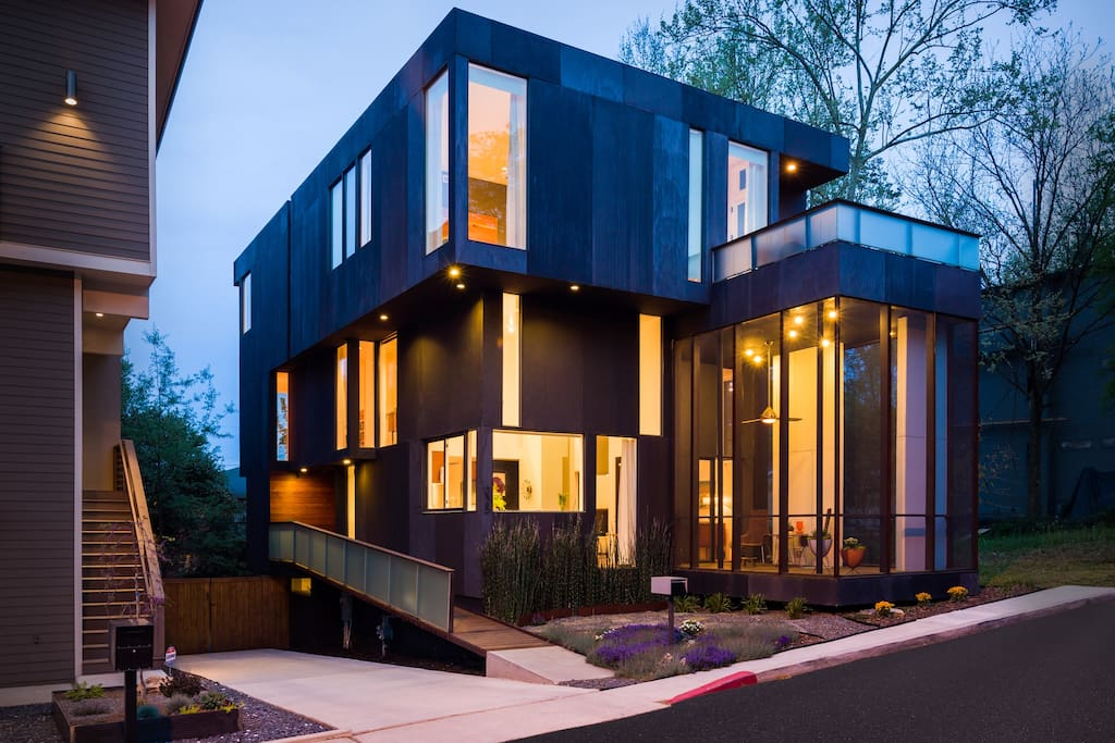 Modern with mid century accents houses for rent in atlanta for Modern home builders atlanta