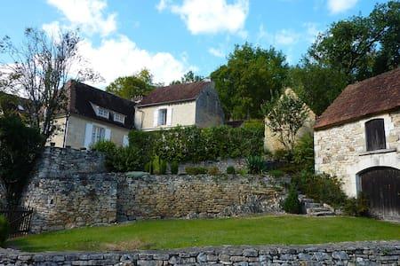 Gîte de charme entre Périgord et Quercy - House