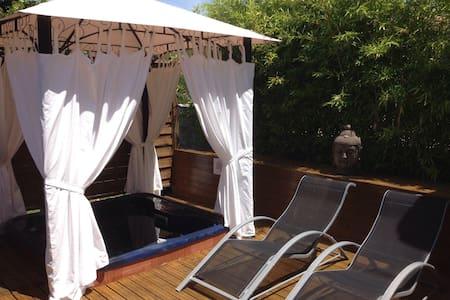 Maison avec spa et sauna privatifs - Palluaud - House