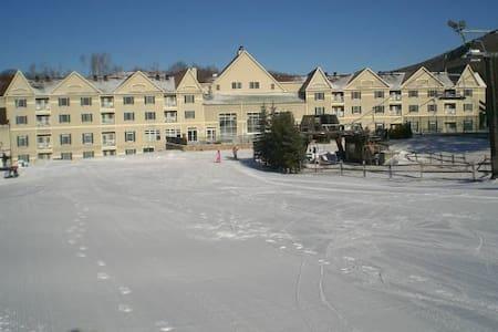 Bentley Brook Resort at Jiminy Peak - Hancock - Kondominium