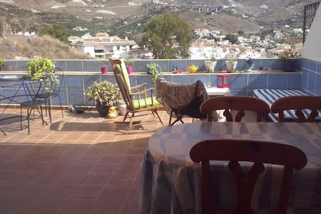 Almunecar mar y nieve No mas 5 dias - Bed & Breakfast
