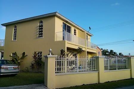 Fergies tropical BNB II - Nassau