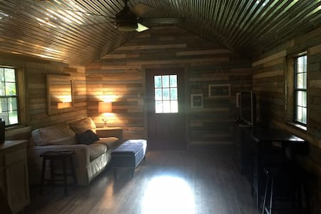 Top 20 nashville vacation cabin rentals and cottage for Airbnb nashville