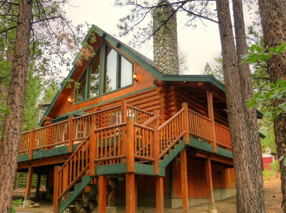 Big bear sinatra 39 s villa cabins for rent in big bear lake Big bear lakefront cabins for rent