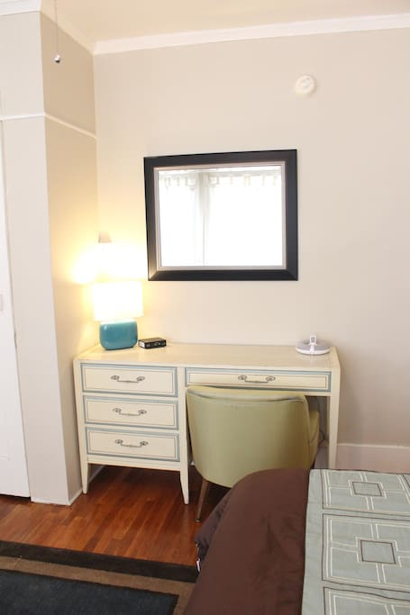 Adorable & Bright Little Studio