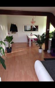 Wohnung zum wohlfühlen - Isernhagen - Lejlighed