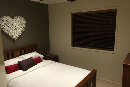 Open plan,Private space,Bali theme - Berwick - House