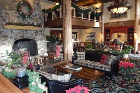 Lux Ski in/Ski out Teton Village - Teton Village - Condominium
