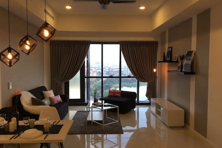 Cozy Designer Apt with Lakeview near KLCC - Kuala Lumpur