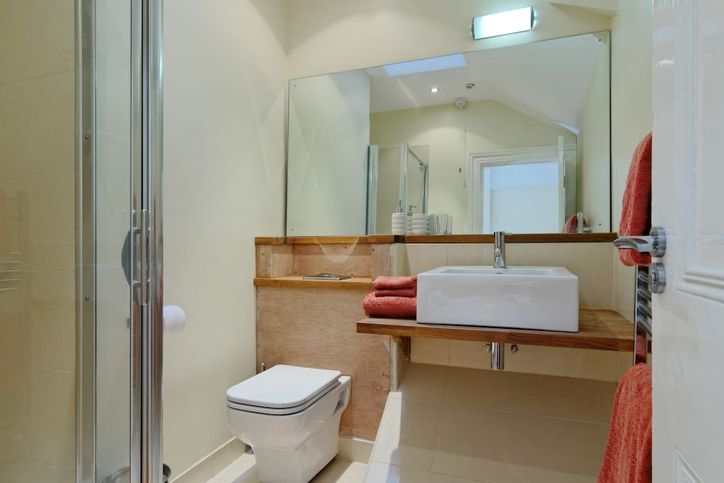Double with boutique style ensuite
