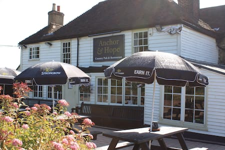 Dog friendly country pub with rooms - Bed & Breakfast