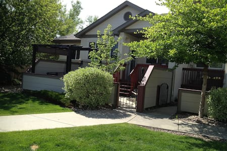 Large, daylight basement includes 2 bedrooms, 1 bath, and TV room.  Kitchen is shared with owner who lives on 1st floor. BR #1 - king-size bed BR #2 - bunk beds ** Portacrib available for infant.