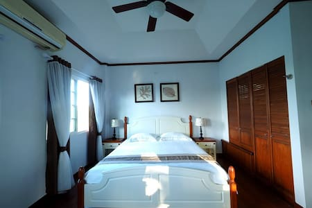 Cozy&private bedroom(Neverland ROOM3, king size) - Casa de campo