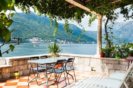 Waterfront with extraordinary view - Perast - 公寓