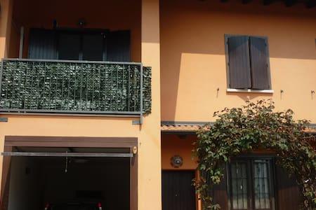 villetta  ammobiliata affittasi - Carbonara Al Ticino - Villa