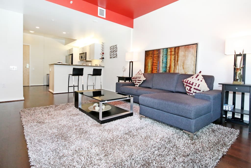 Luxe Downtown Condo by Petco Park