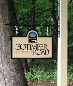 30 Timber Road Bed & Breakfast - Bed & Breakfast