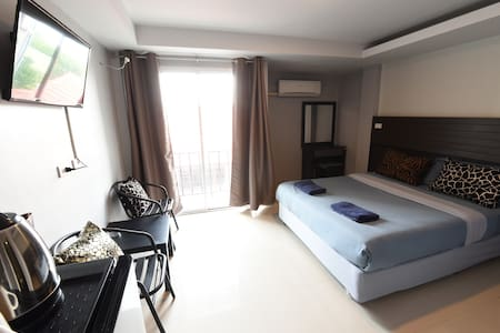 The Avail DOUBLE BED ( ROOM ONLY ) - Apartmen