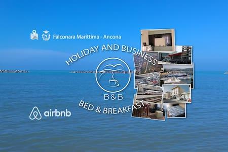 Near to the Sea, Cozy Room - Bed&Breakfast - Falconara Marittima
