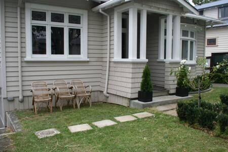 One bedroom spacious apartment - Bungalow