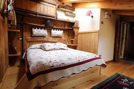 Splendida mansarda stile alpino - Appartamento
