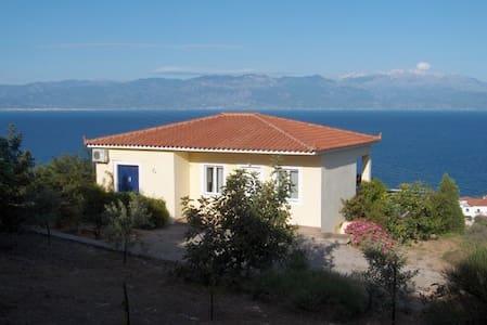 Panoramic Villa Thalia with Pool - Kalamaki - Villa