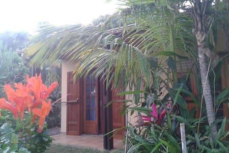 Chambre chez l'habitant à Manapany. - Ház