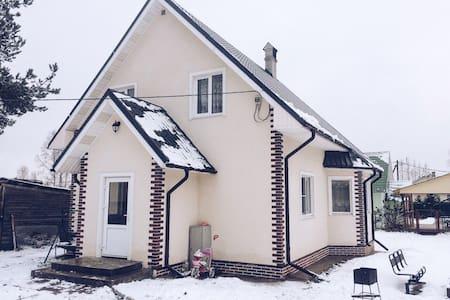 Загородный дом с камином в тихом уютном месте ! - Sankt-Peterburg