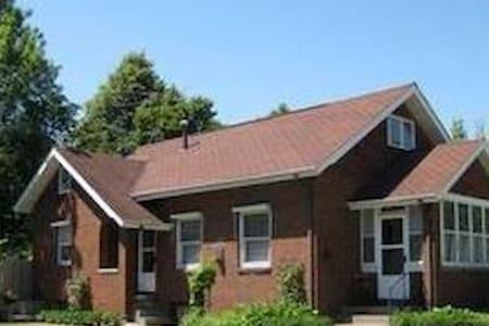 Pella  Loft - Huis