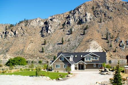 River Home w/ Pool, Spa and Dock near Lake Chelan - Orondo - House