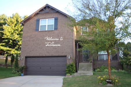 Beautiful Spacious home in great neighborhood! - Mount Juliet - Casa