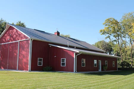 The Noble Barn Nebraska Experience! - Humphrey - Apartemen