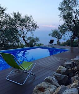 Right place for exploring Costiera - Torca - Villa
