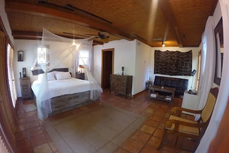 Paradise in Downtown - Safari Suite - House