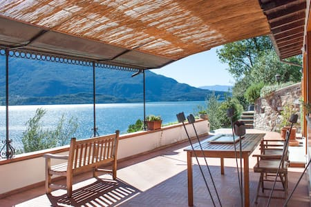All seasons Peaceful villa on lake  - Domaso